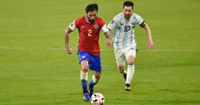 El gran partido de Eugenio Mena ante Argentina